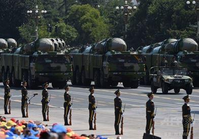 軍事パレードで初披露した空母キラーミサイル「DF-21D」