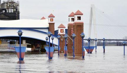 ミシシッピ川各地で氾濫