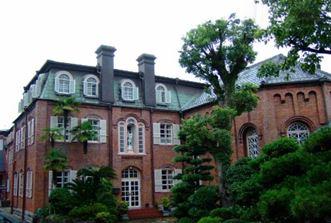 <↓ 元修道院の「」マリア園」 延建坪700坪>