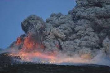 <↓2011年1月26日の新燃岳の噴火>
